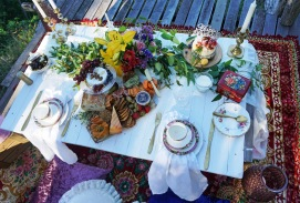 luxury romantic picnic spread